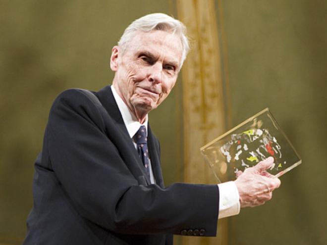 ২০১০ সালে পুরস্কার লাভ করেন মার্কিন গণিতবিদ জন টরেন্স ট্যাট