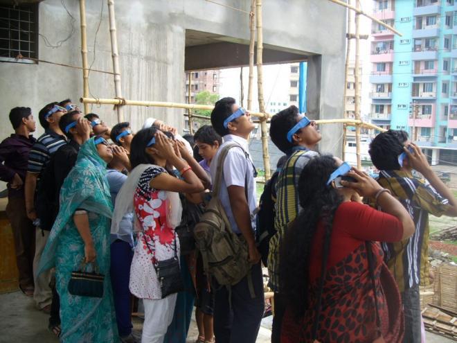 ঢাকার রামপুরায় ইমপেরিয়াল কলেজ ক্যাম্পাসে শুক্রের চলন দেখার জন্য 'মহাজাগতিক ঘটনা পর্যবেক্ষণ কমিটি'র প্রধান ক্যাম্প